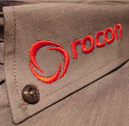 Hemden-Blusen-Messebekleidung-mit-Logo-besticken-bedrucken-lassen