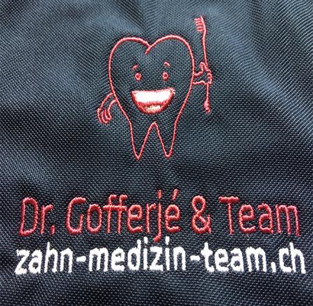 Medical-Arztpraxis-Poloshirts-besticken-bedrucken-lassen